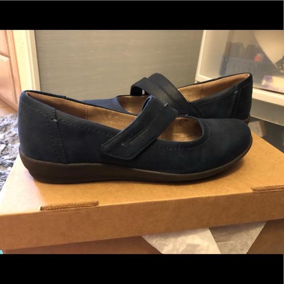 Easy Spirit Shoes - Easy Spirit Loafers! Size 7